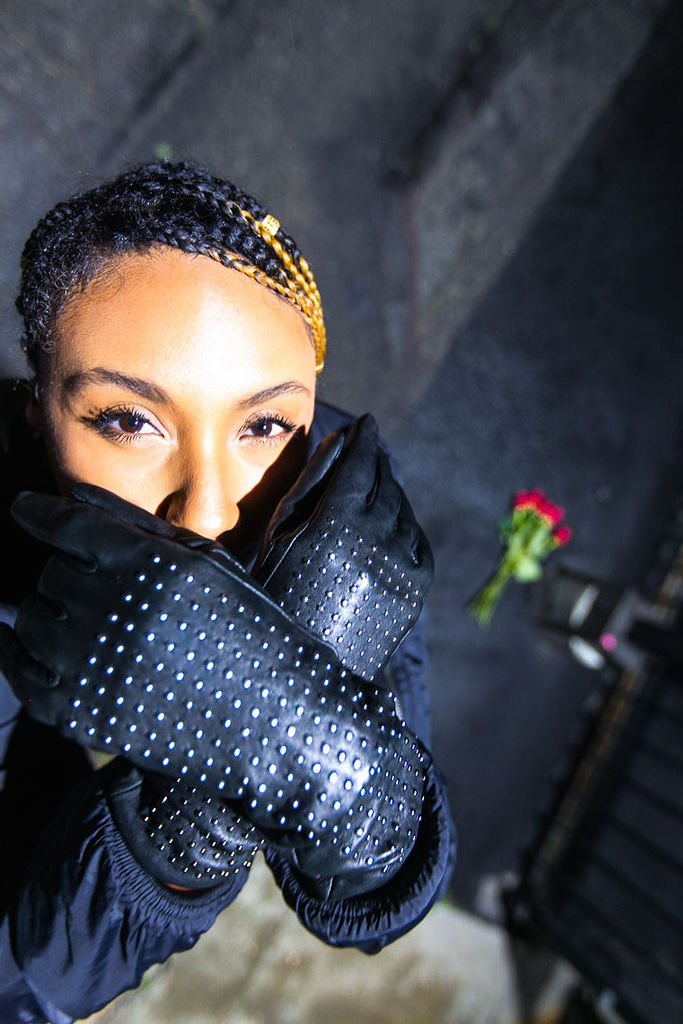 Social media hiatus-rsee-xmmtt-lcm-long beach-leather gloves-red roses-braids
