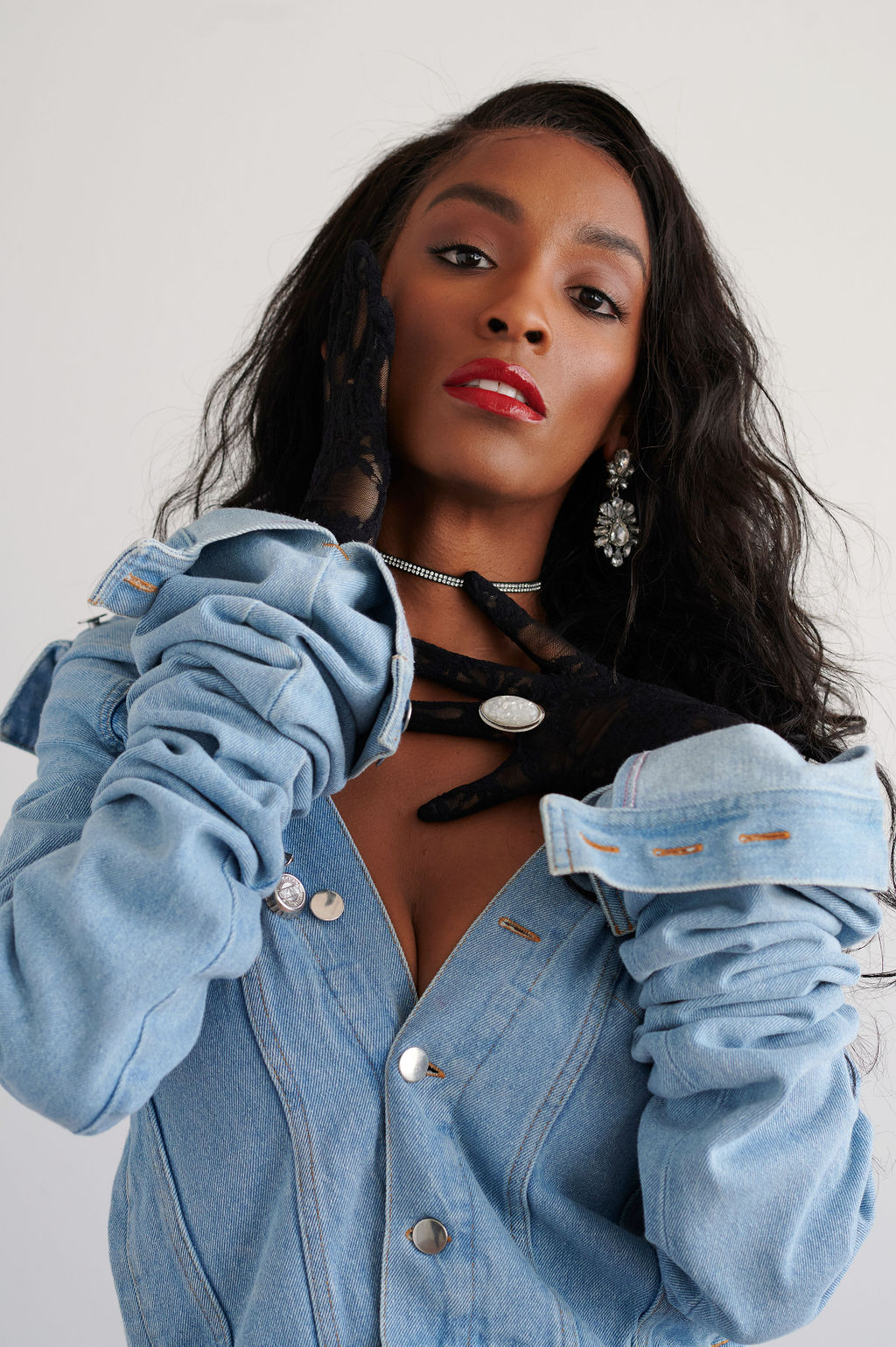 Annjulia Smalls In Y/Project-styled by melissa-lcm-sheldon botler photography-denim jacket-elongated sleeves-high fashion