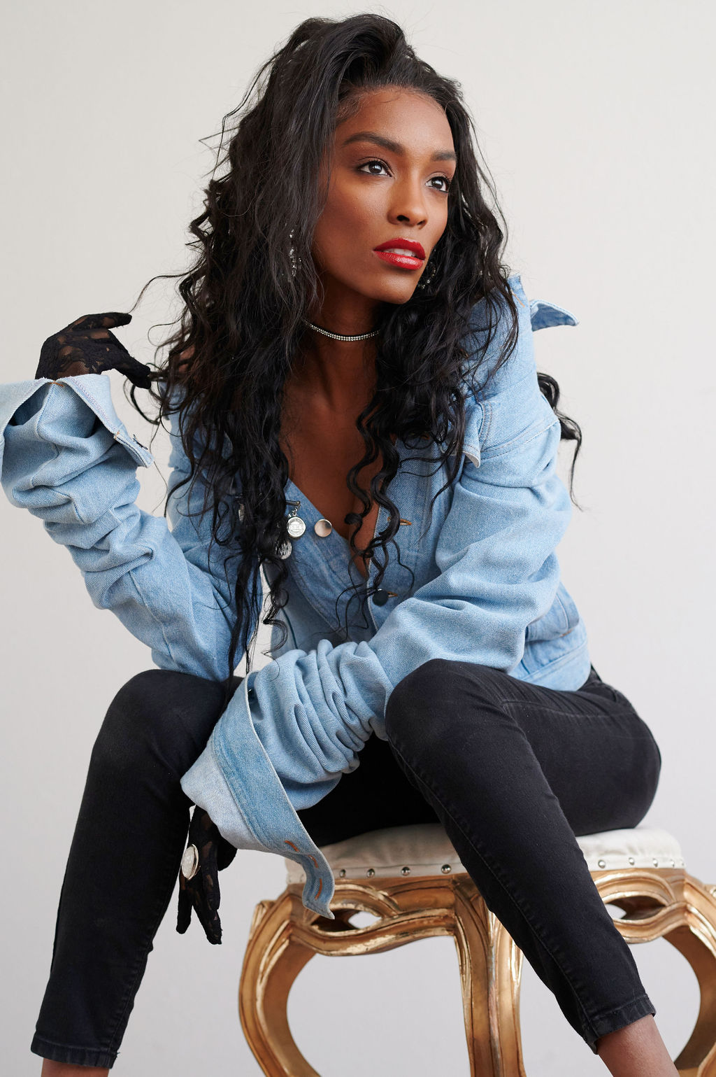 Annju'lia Smalls In Y/Project-styled by melissa-lcm-sheldon botler photography-denim jacket-elongated sleeves-high fashion