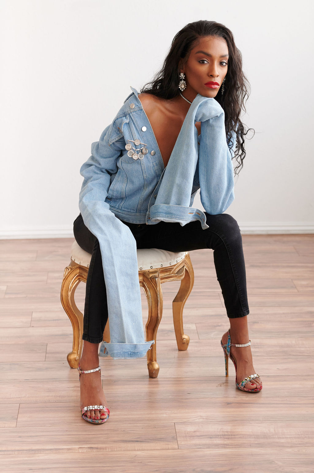 annjulia smalls-y project-sheldon botler photography-styled by melissa-brown skin model-denim-elongated sleeves-fashion