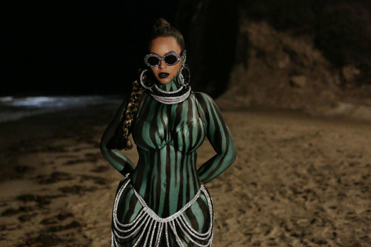beyonce.com-disney-black-is-king-find-your-way-back-la-perla-laurel-dewitt-crystal-skirt-a-morir-eyewear-earrings-body-make-up-francesca-tolot