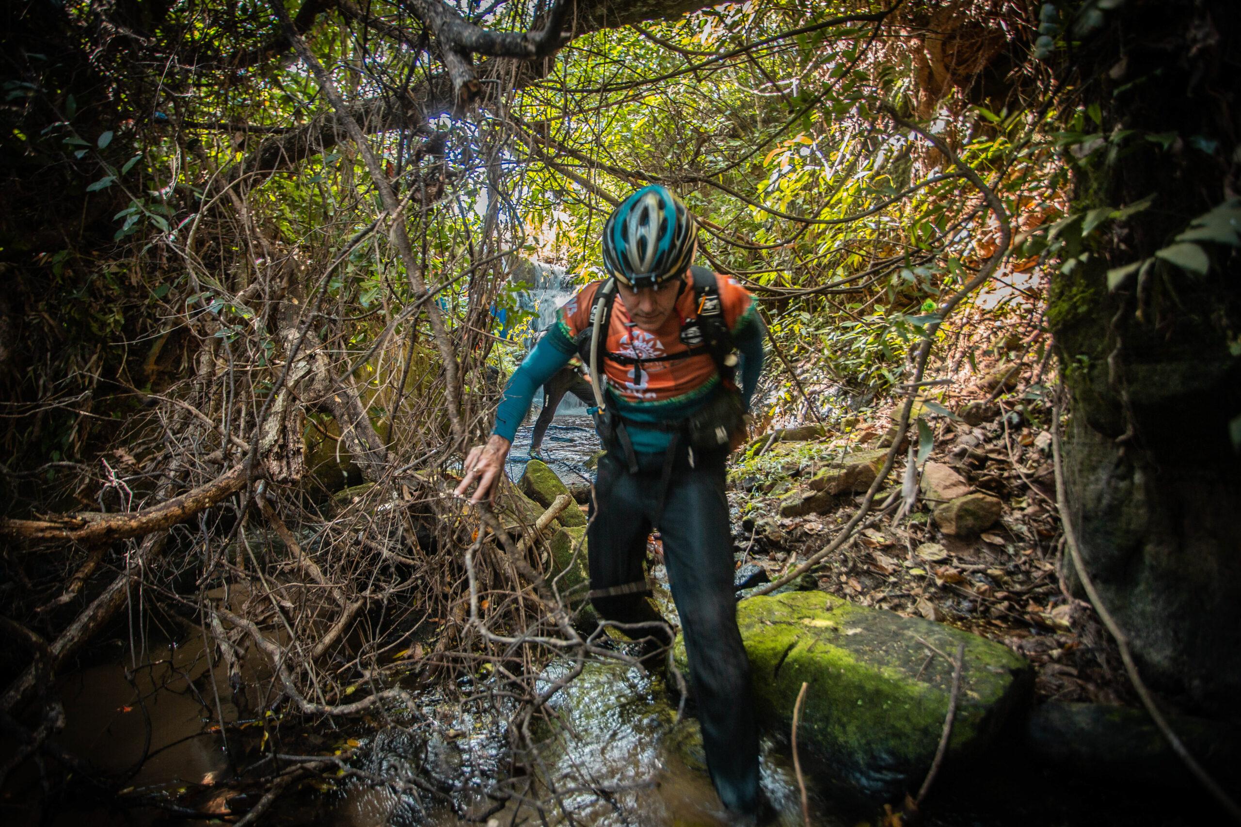 Jungle trekking at Expedicion Guarani