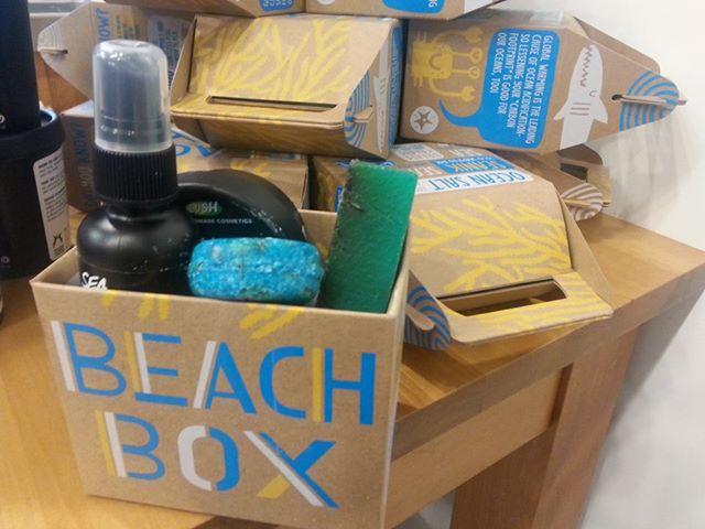Fresh Handmade Summer Fun From LUSH products: BEACH BOX FAB!