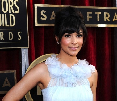 Hannah Simone, Double Ring with Diamonds Screen Actors Guild Awards