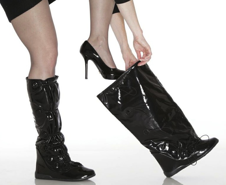 Shoe Style News: PYSIS Overboot a must have for the Rain