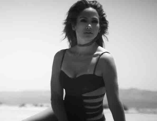 """Jennifer Lopez Looks EXTRA amazing in her video for her latest single """"My First Love"""""""