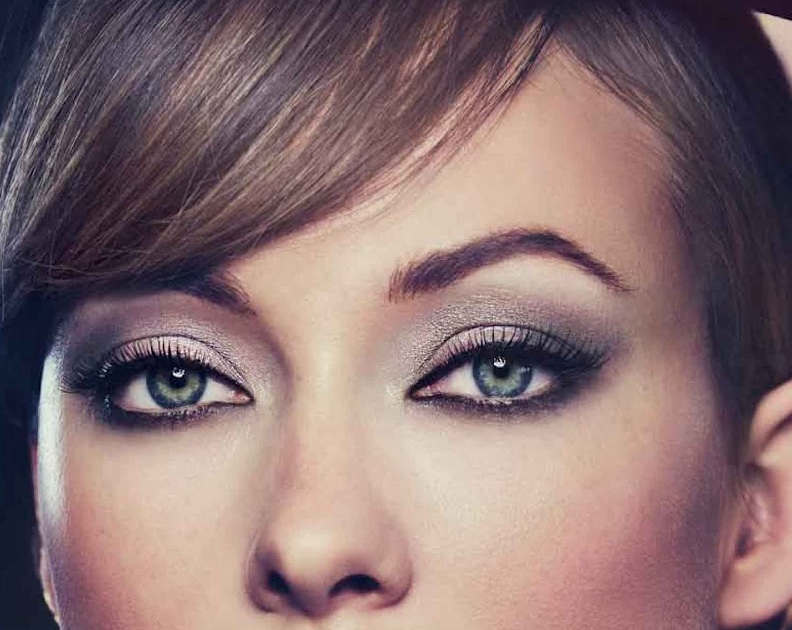 Emma Stone, Revlon, 2014 Venice Film Festival Beauty Look