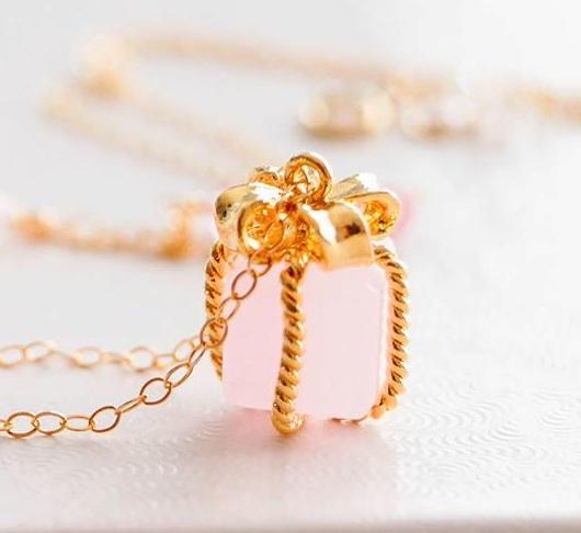 Jewels, Celebrities, Inayaaz's Gemstones & Freshwater Pearls
