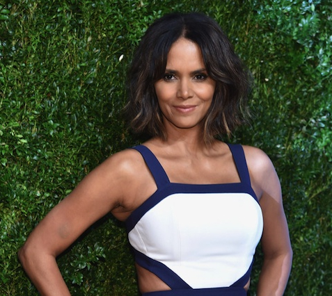 Halle Berry Star Style Fabulous with Jorge Adeler gemstone ring