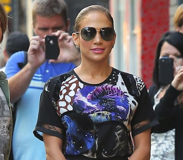 Jennifer Lopez wearing Le Vian jewels