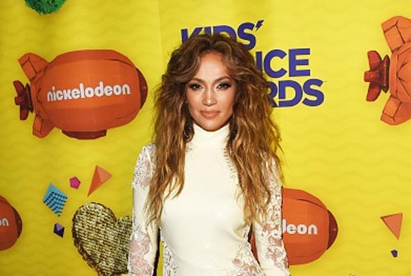 Jennifer Lopez Star Style At Nickelodeon's Kids' Choice Awards