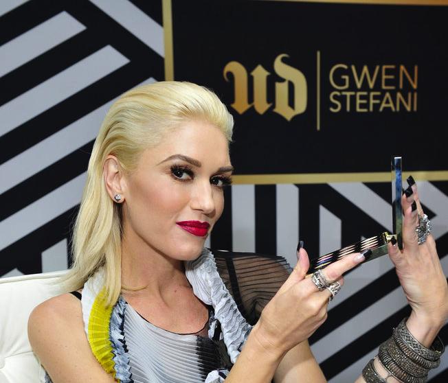 Gwen Stefani Style News