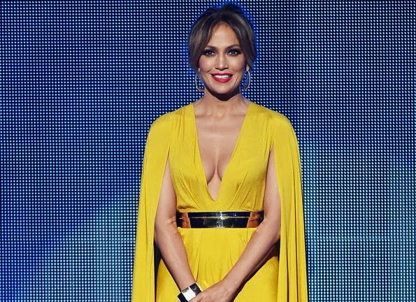 Jennifer Lopez, American Music Awards Red Carpet Style
