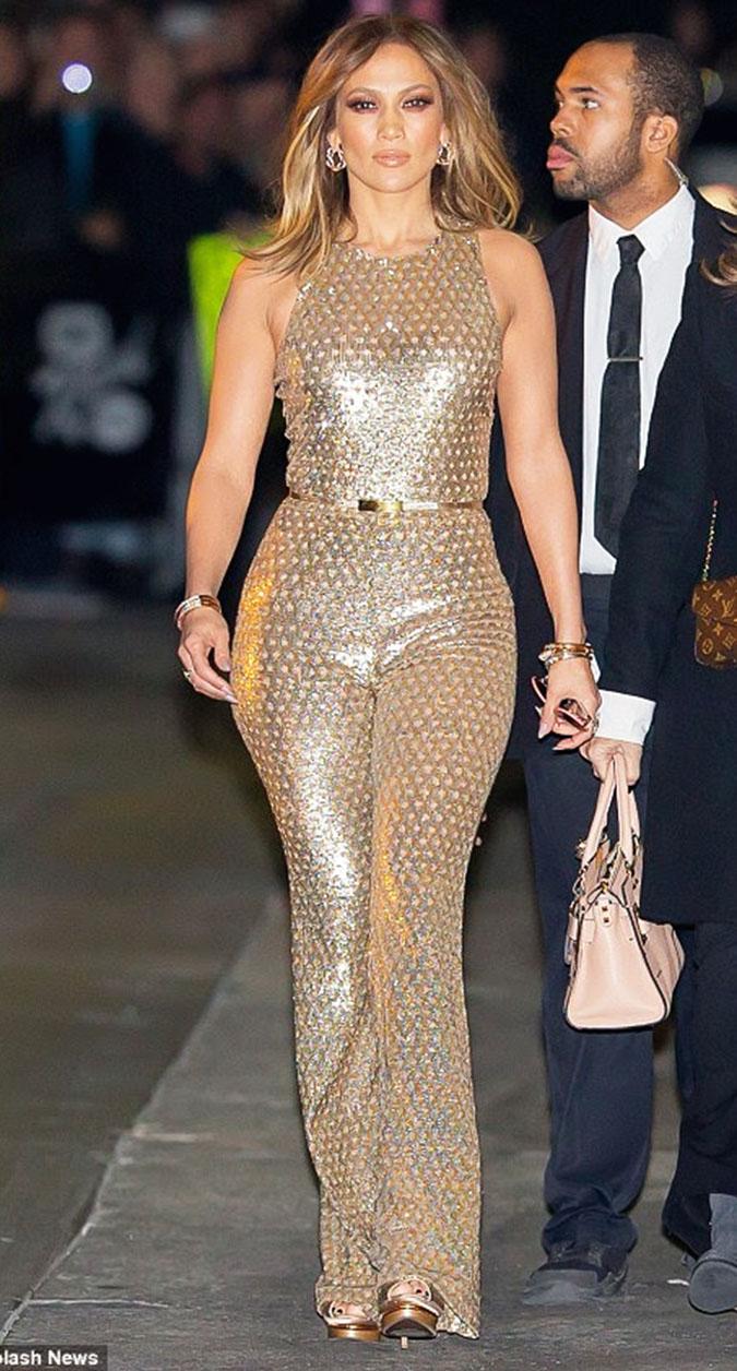 Jennifer Lopez Glams Up Jimmy Kimmel Live