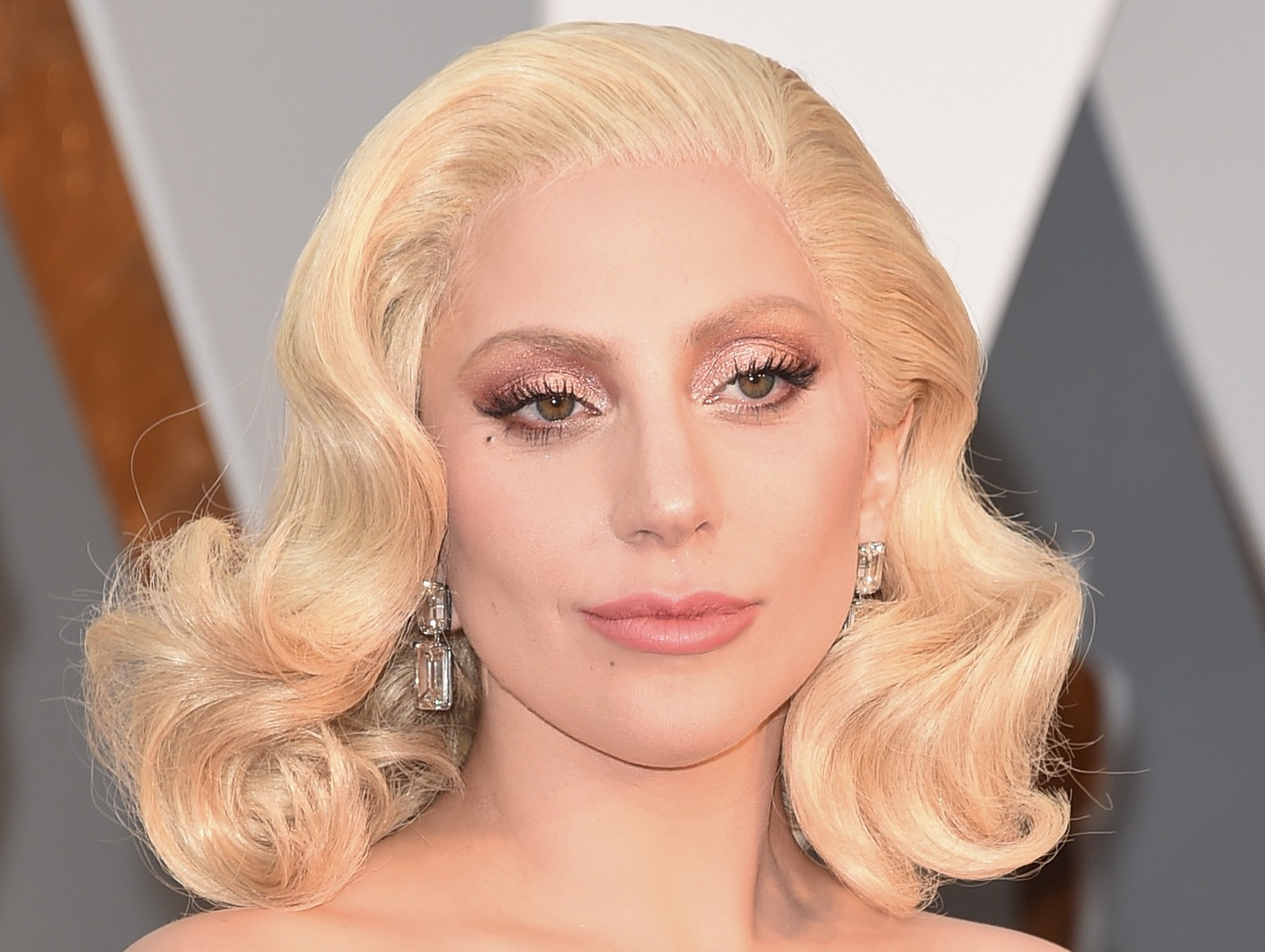 Lady Gaga, Her Hair at the 88th Annual Academy Awards
