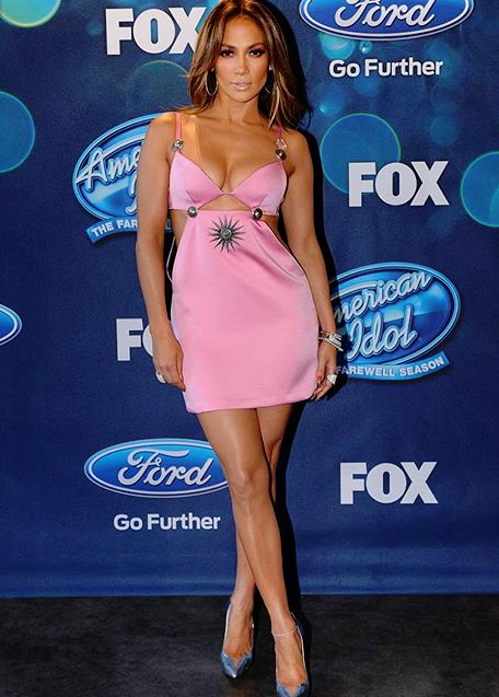 Jennifer Lopez Pretty In Pink At FOX's American Idol Season 15