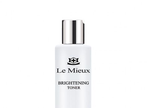 Le Mieux Brighting Toner help restore a radiant complexion