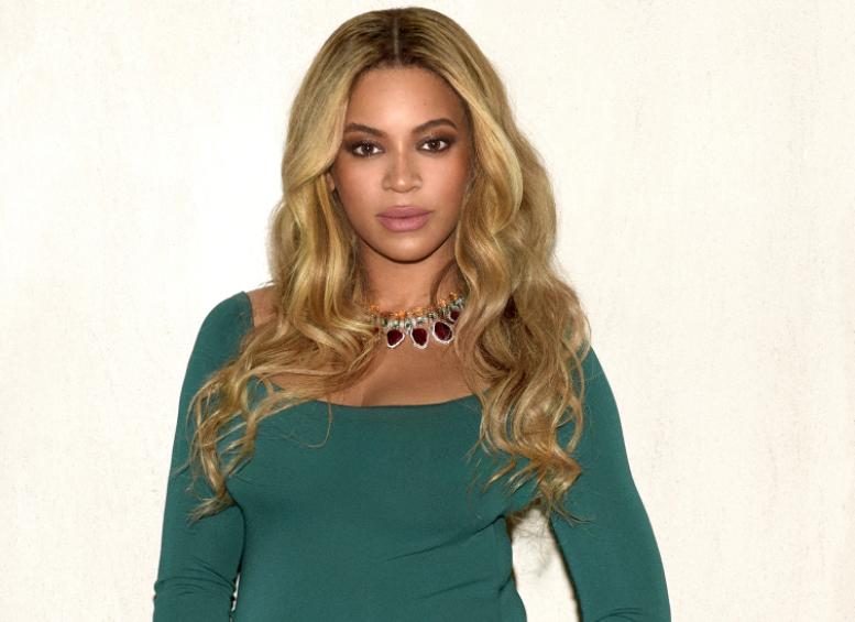 Beyonce, Oscar After Party celebration Jewel Moment