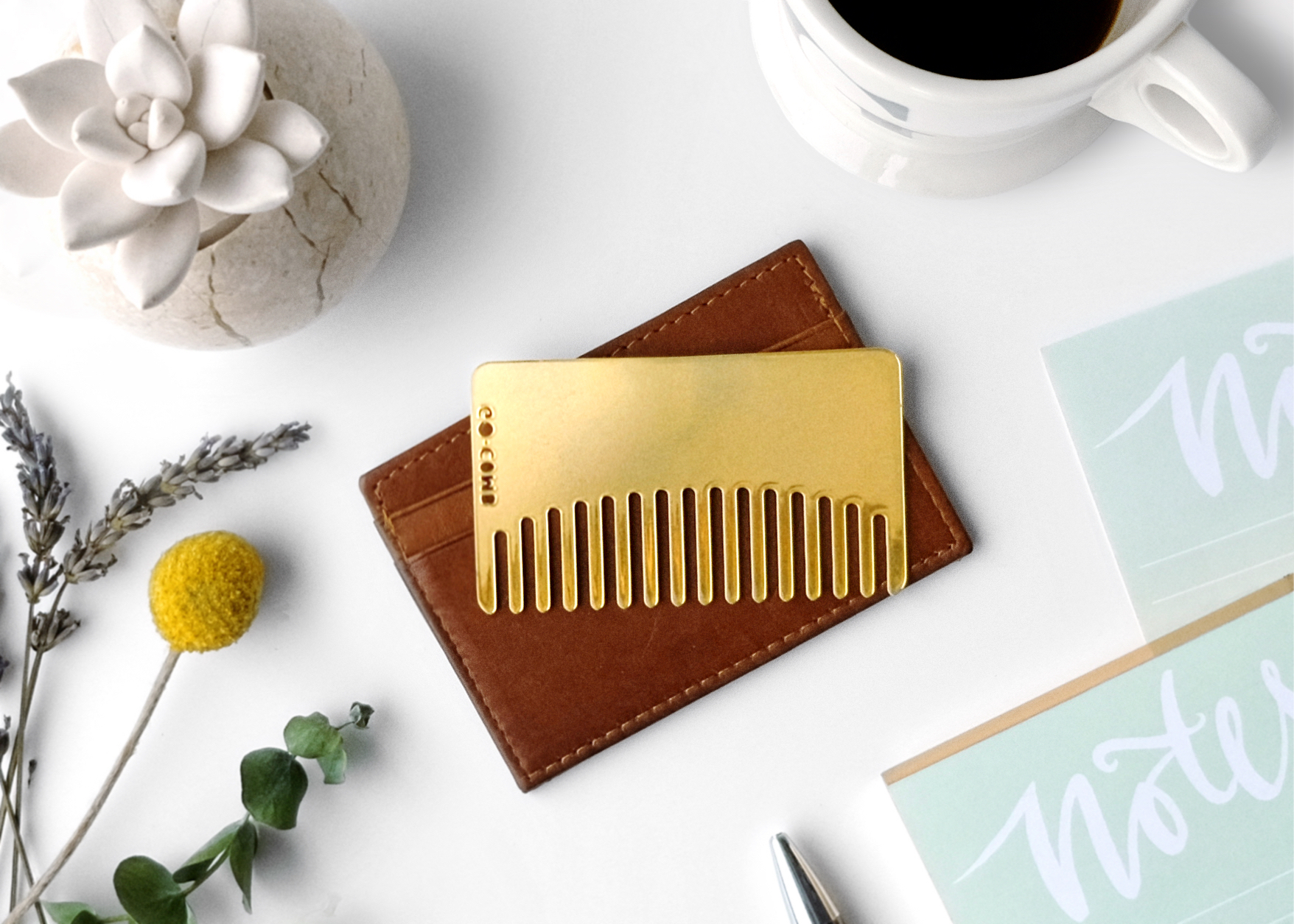Hair Glam Moment With The Go-Comb for your Summer Travel
