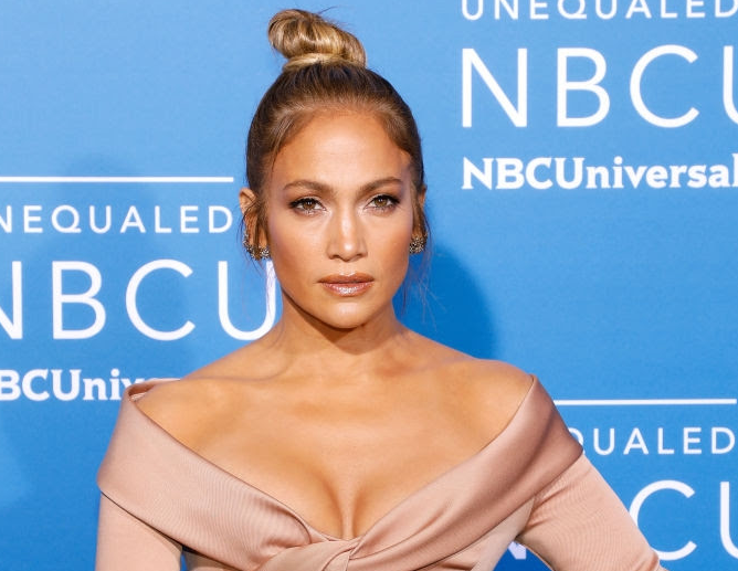 Jennifer Lopez, Fab diamond rings from Narcisa Pheres and Le Vian