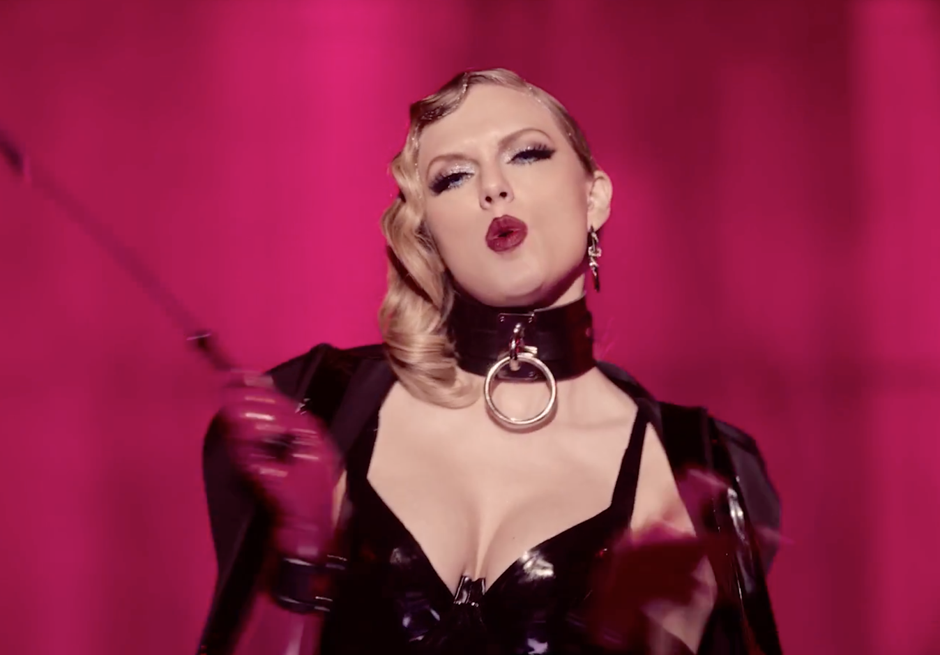Taylor Swift, New Video Style Moment