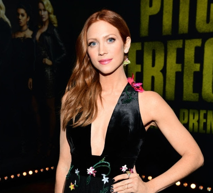 "Brittany Snow Rocks A Harry Kotlar Yellow diamond ring to the premiere of ""Pitch Perfect"""