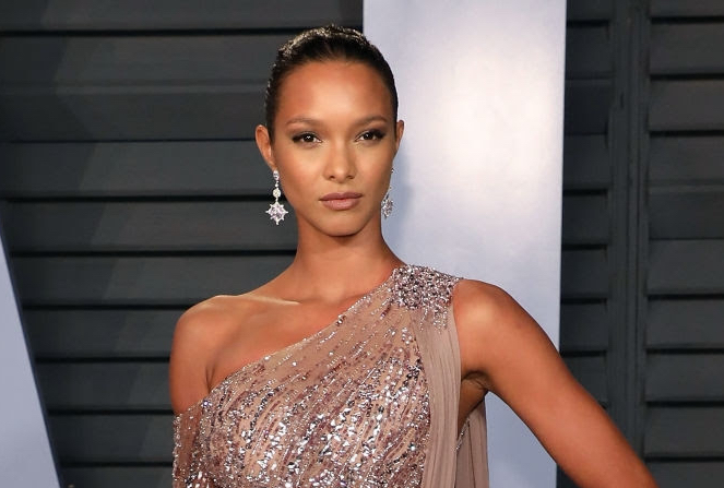 Lais Ribeiro Red Carpet Vanity Fair Oscar Diamond Jewel Moment