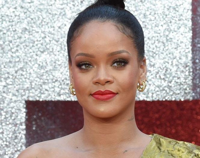 Rihanna, Her diamond ring power moment