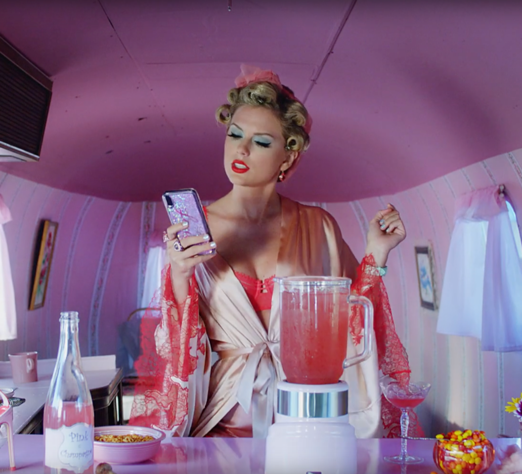 Taylor Swift, $20K Worth of Jewels Rocked in Music Video