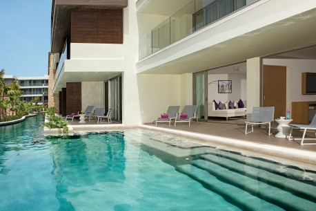 pc master suite swim out oceanfront