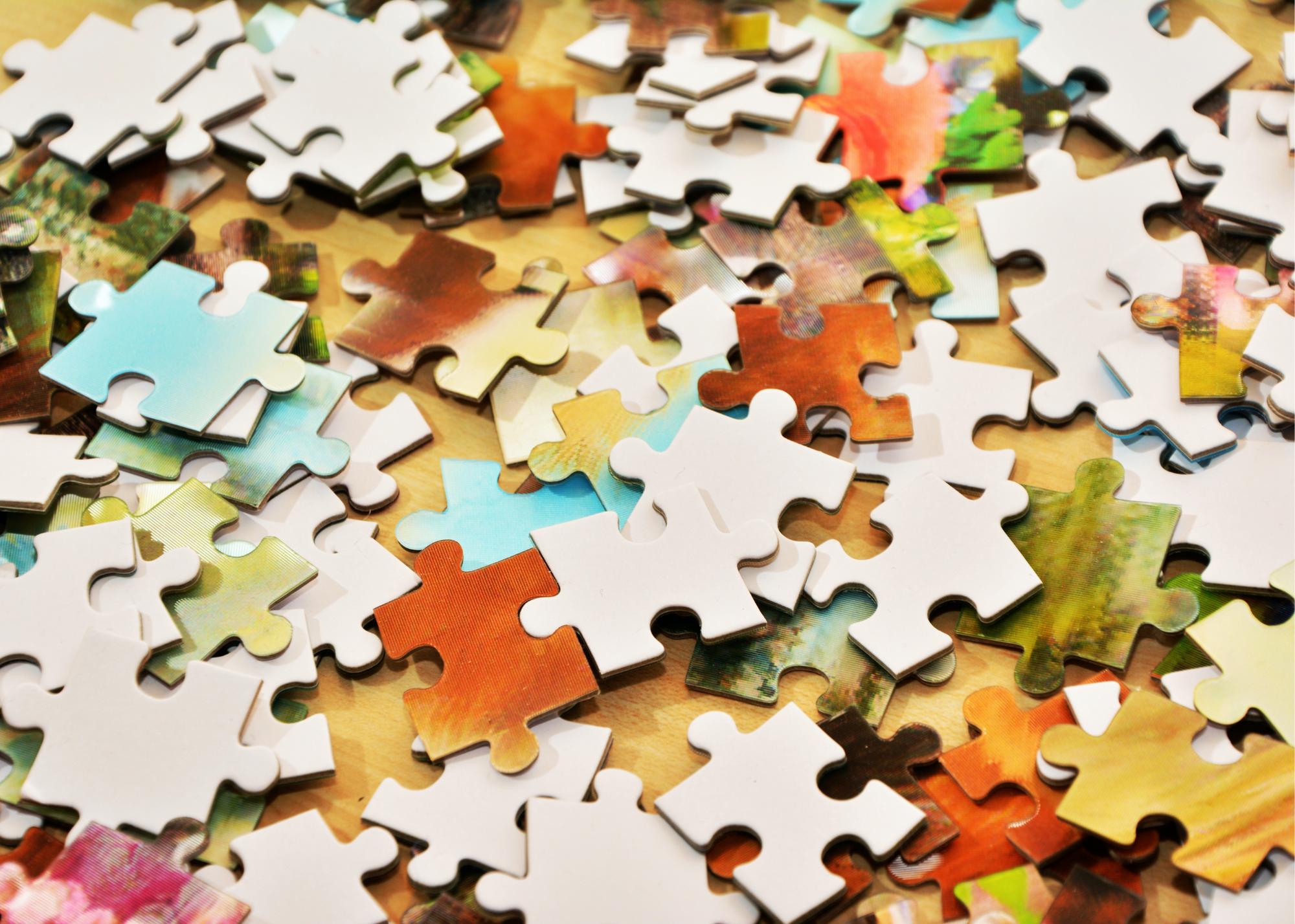 Canva – Puzzle Pieces