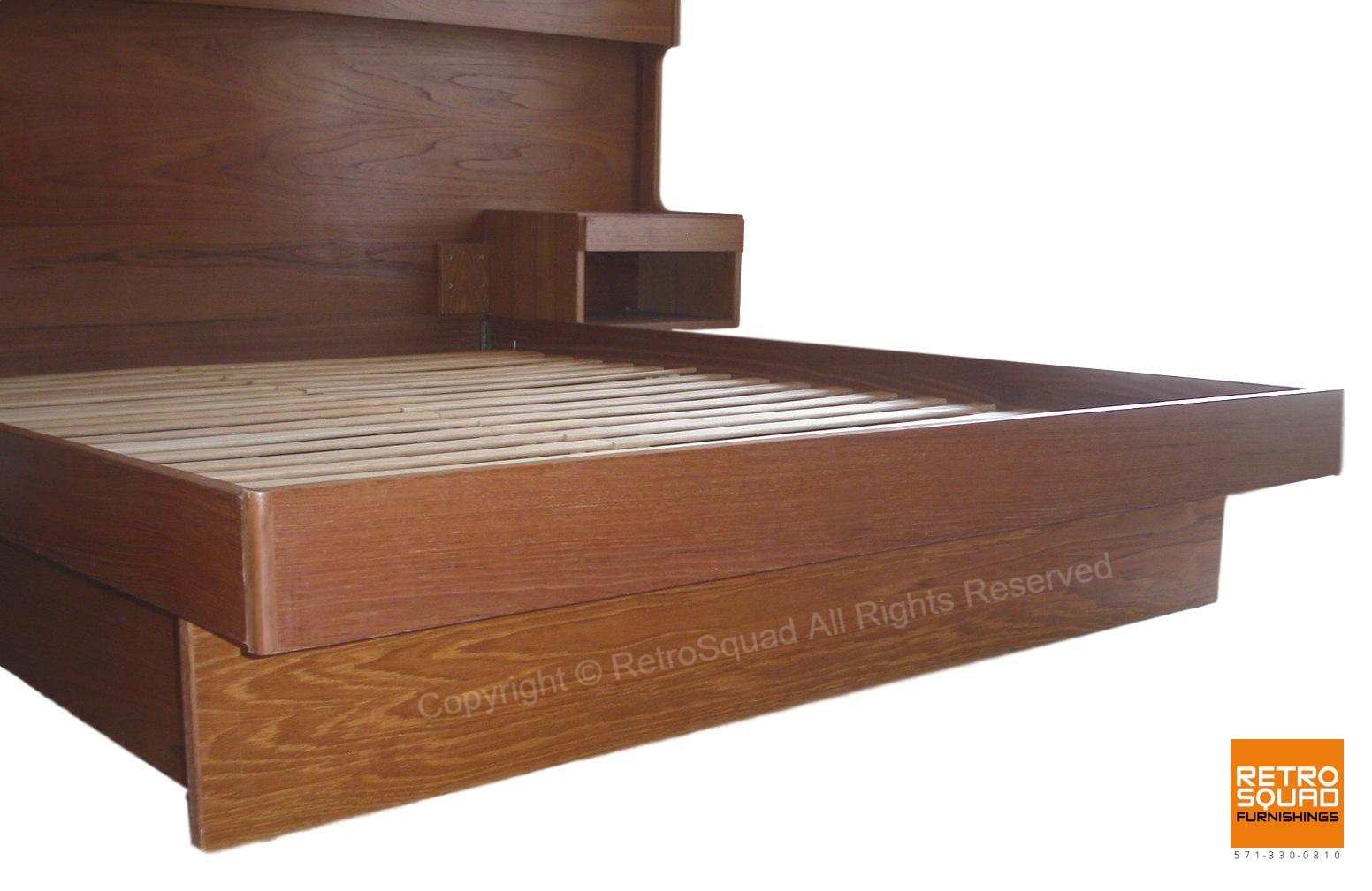 Danish-Modern-QUEEN-Size-Teak-Platform-Bed-With-Nightstands-Lighted-Headboard-from-Sannemanns-of-Denmark-04