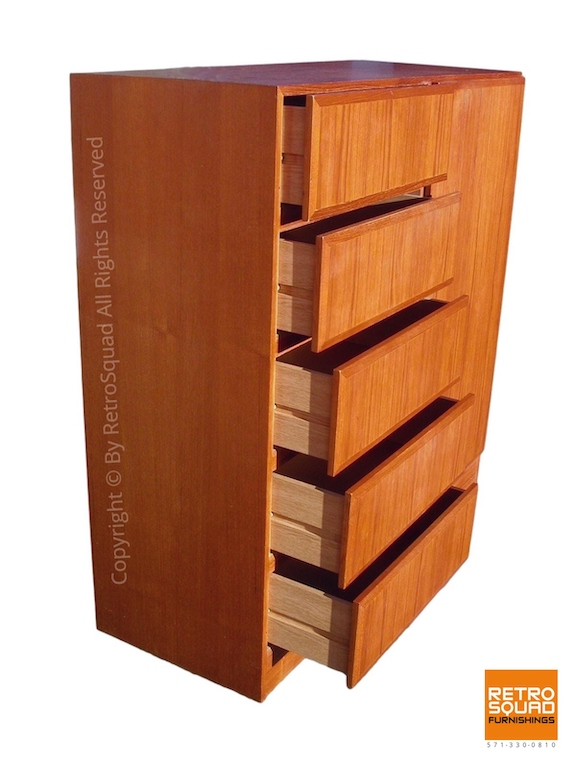 Danish Modern Teak Gentleman's Chest by Vinde Moblerfabrik 02