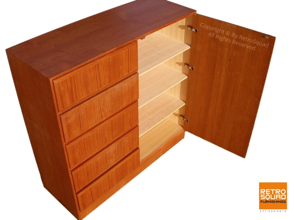 Danish Modern Teak Gentleman's Chest by Vinde Moblerfabrik 04