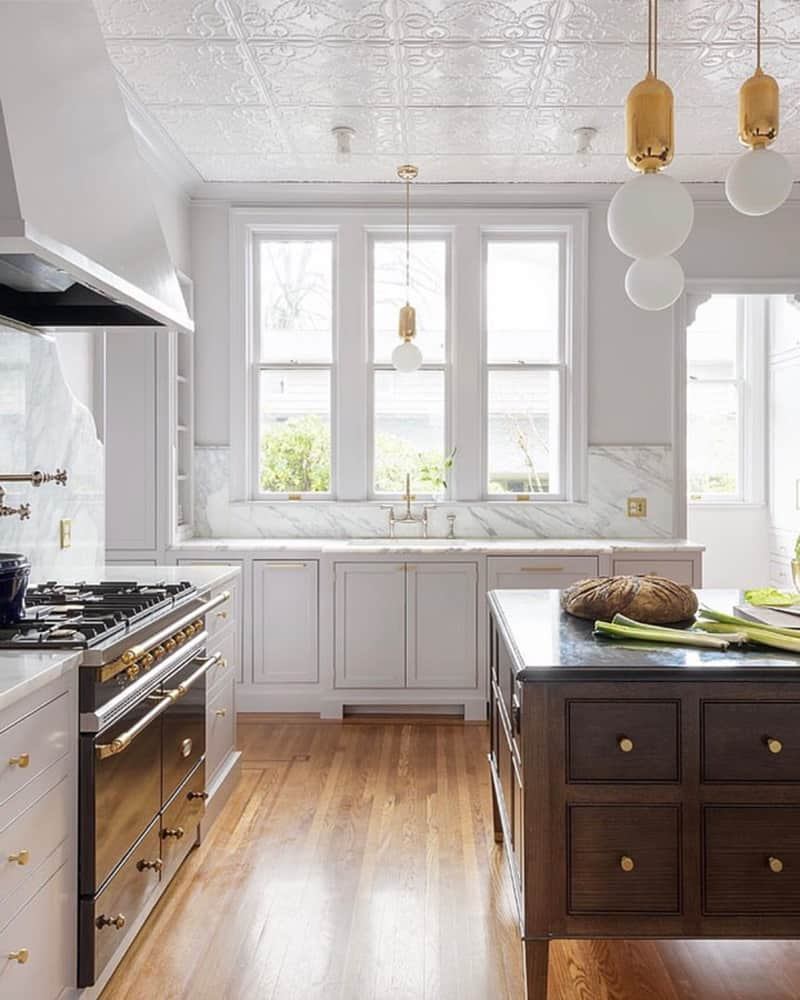 white-and-wood-kitchen-design