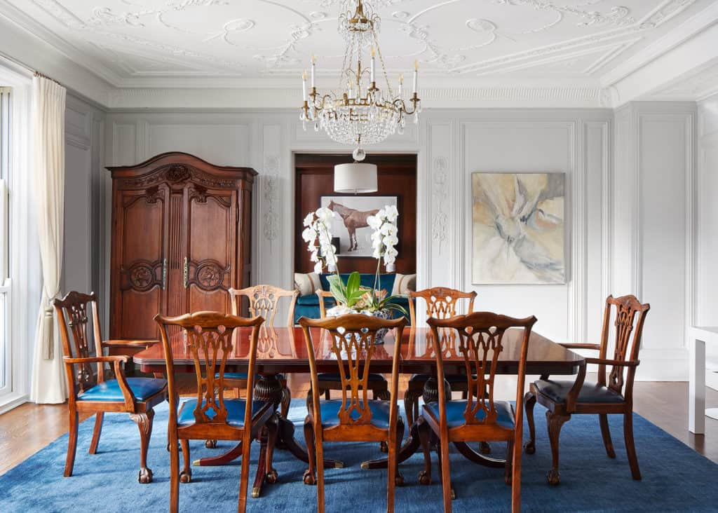 lakeshore-drive-apartment-plaster-molding-centered-by-design