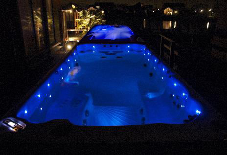 dual-temperature-lit-up-at-night