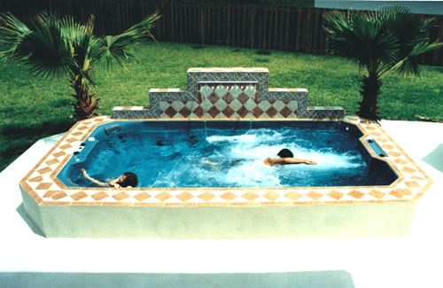 kids-playing-and-swimming-in-swim-spa