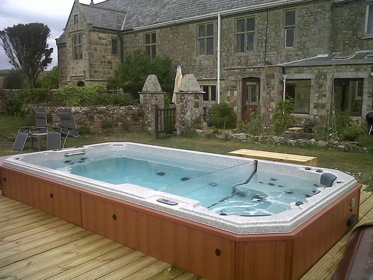 swim-spa-deck-installation-on beautiful-property