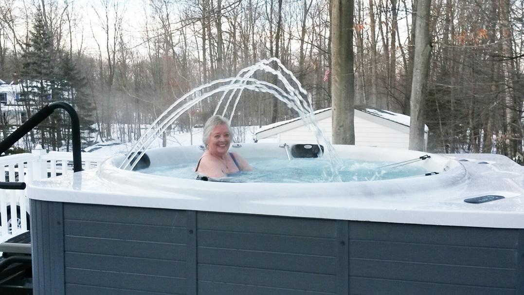 jog-spa-customer-using-spa