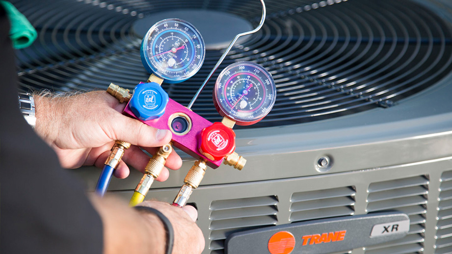 4  Tips For Maintaining  Air Conditioners