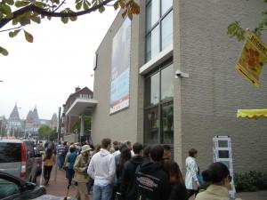 Line in front of Van Gogh Museum, Amsterdam
