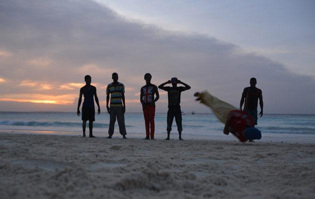 breakdancers-zanzibar