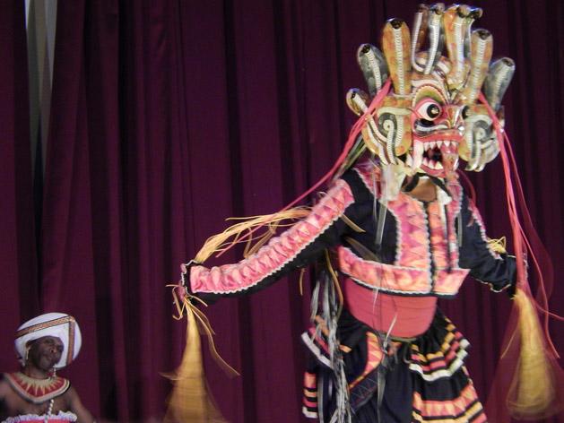 kandy-cultural-show-sri-lanka