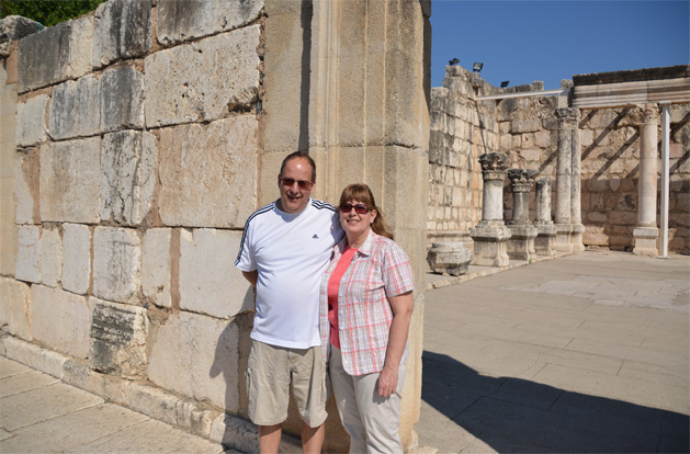 My parents in front of the entrance to the White Synagogue.