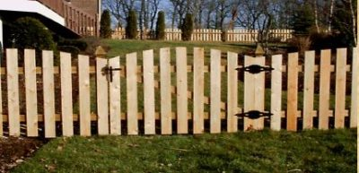 WOOD SLIDING GATE 2