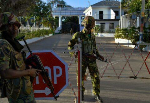 Ecowas envoy in Gambia meets ECOMIG troops