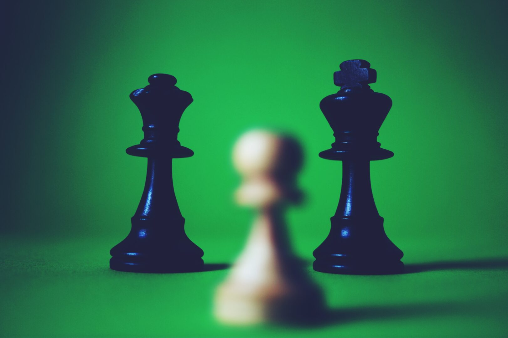 chess-chess-pieces-depth-of-field-136350