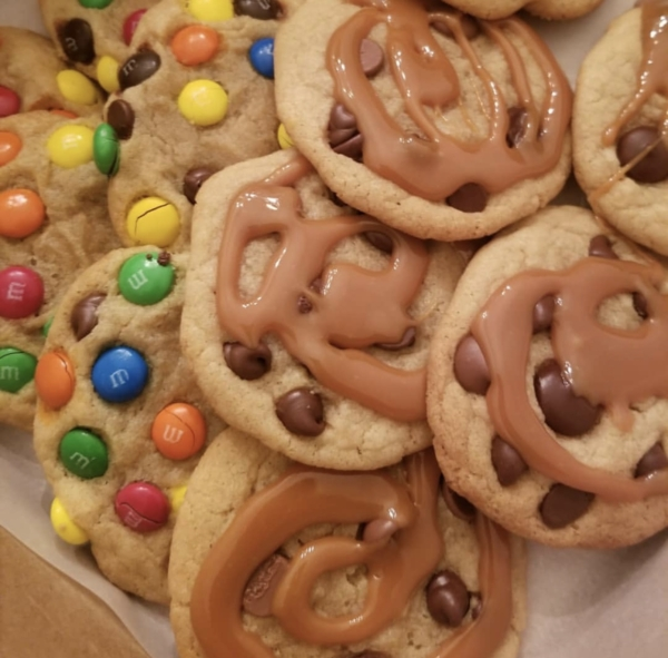 M&M Cookies & Chocolate Chip Cookies with Caramel Drizzle