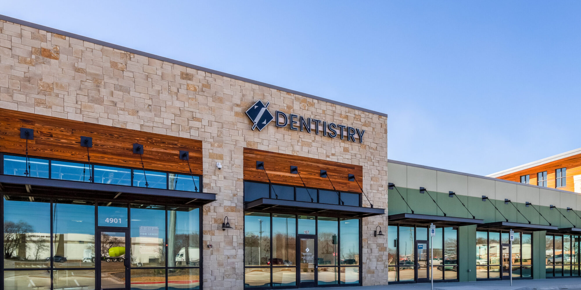 Z Dentistry Sign and Building, Northlake, TX